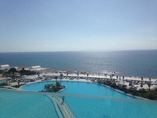 Atrium Prestige Thalasso Spa Resort and Villas : вид с балкона на один из бассейнов и море