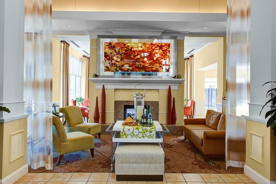 Hilton Garden Inn Wilmington Mayfaire Town Center: New lobby
