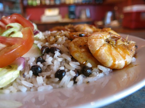 Restaurante Smiley's: Garlic Shrimp and Rice With Guandu