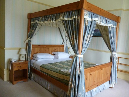Parkbury Hotel: Four Poster Room