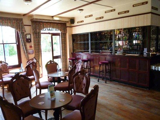 Parkbury Hotel: Bar