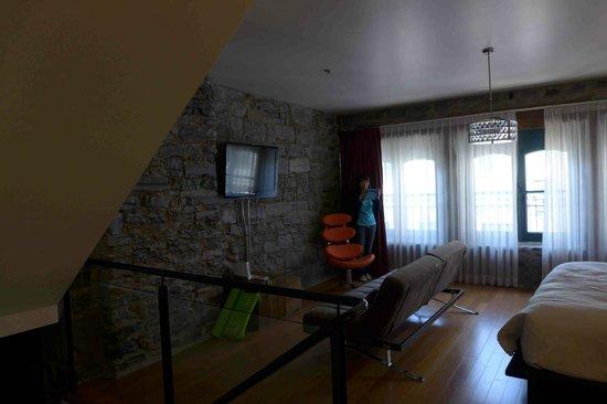 Le Petit Hotel: The interior