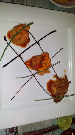 Las Clementinas Cafe & Bar : carimañolas, three kinds