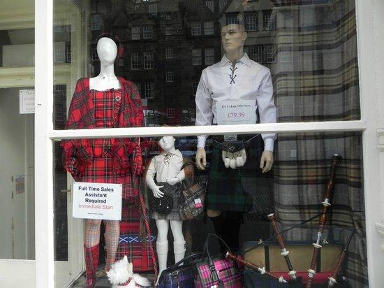 Royal Mile: Магазины с национальной одеждой