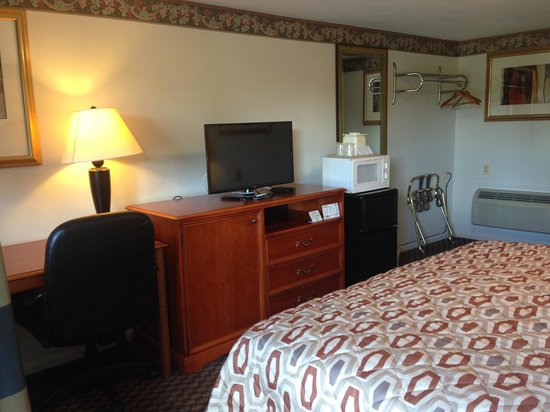 Americas Best Value Inn Palmyra/Hershey: Bedroom