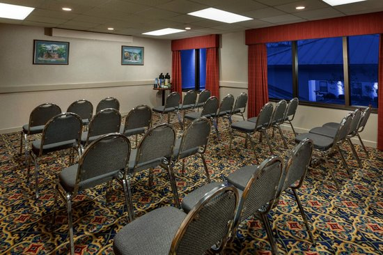 Holiday Inn Express Newport News: Meeting Room available for Small Events
