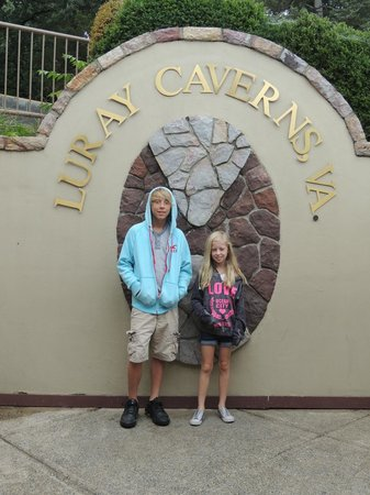 Luray Caverns: front entrance to the cavern