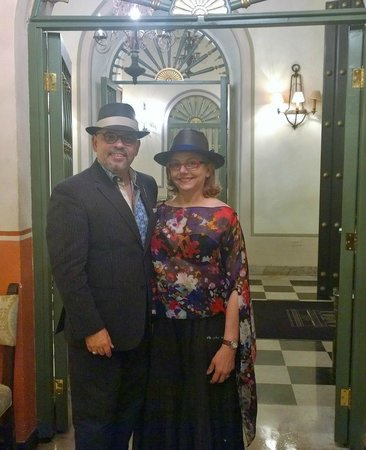 Hotel El Convento: At the lobby of the Hotel and ready for a great night out