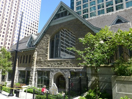 Christ Church Cathedral: View from outside