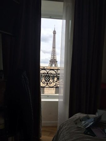 Hotel Eiffel Trocadero: view from window