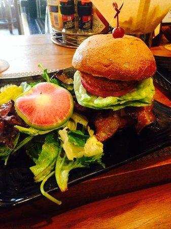 Napa Valley Burger Company: BBQ Burger