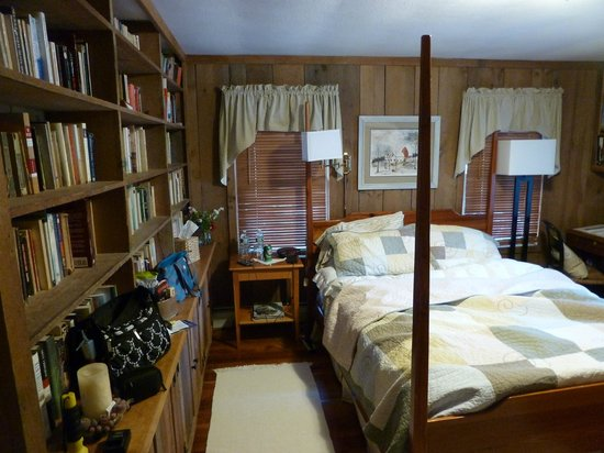 Seagull Inn: Library Suite