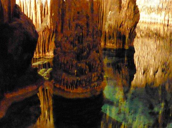Caves of Drach: Las Cuevas Del Drach ou les Grottes du Dragon