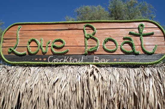 ‪Love Boat Bar‬