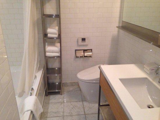 Hotel La Casa : washroom