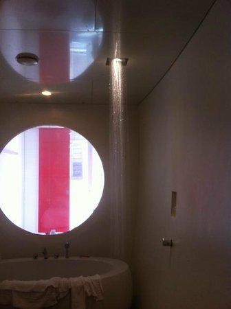 DuoMo Hotel: La mia adorata doccia di luce...