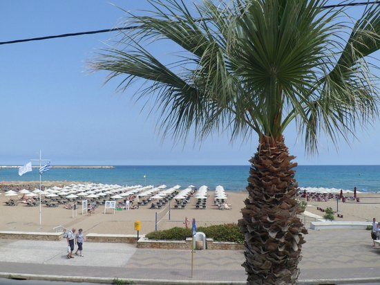 Aquila Porto Rethymno Hotel : View from deck pool