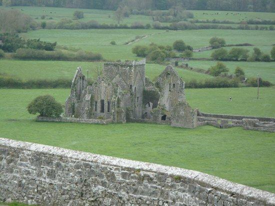 Rock of Cashel: La vista su Hore Abbey