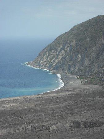 Caribbean Helicopters: Montserrat coast