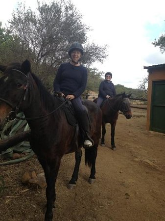 Fugitive's Drift Lodge and Guest House: Horseriding through the bush