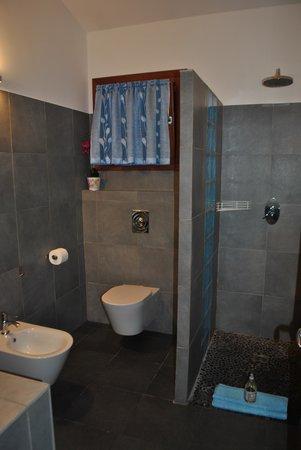 Poisson Rouge : O Banheiro