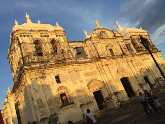 Basilica Catedral de la Asuncion: Sunset on the Basilica