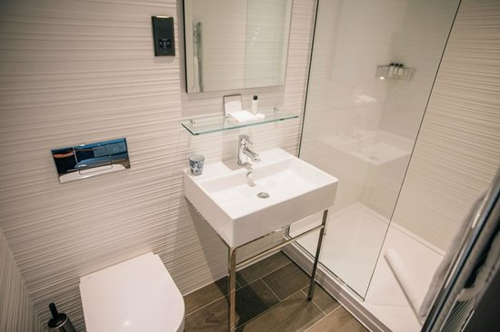 Murrayfield Hotel and House: Bathroom