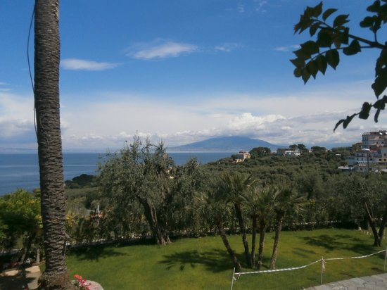 Villa Sabrina Relais : Uitzicht vanaf tuin