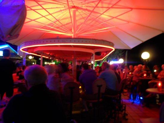 Club Belcekiz Beach Hotel: plazabar van hotel