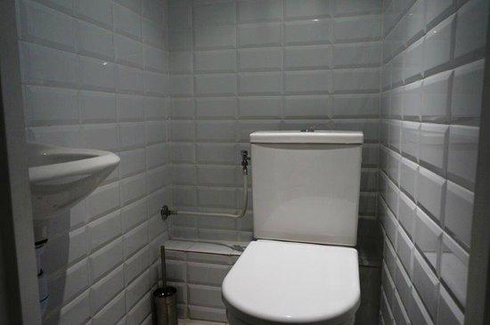 Hostel smith Plage : toilets