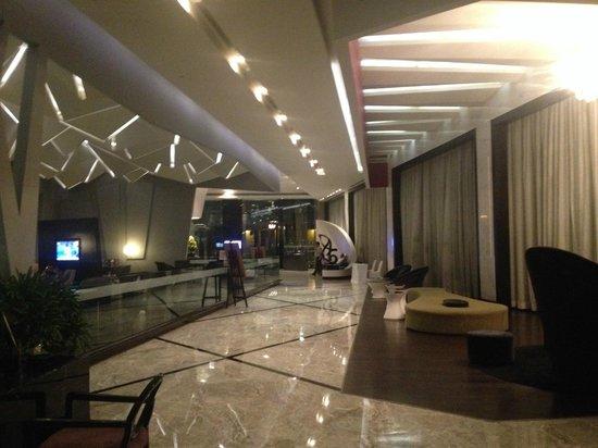 Radisson Blu Agra Taj East Gate: Lobby