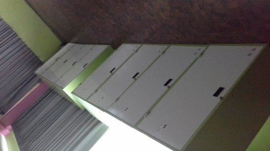 Saphaipae Hostel: lockers