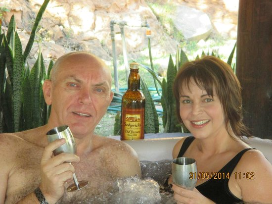 Monate Game Lodge: Sedgwicks Old Brown Sherry, in the jacuzzi