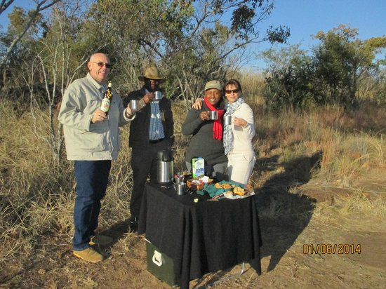 Monate Game Lodge: Amarula Coffee during an early morning game drive