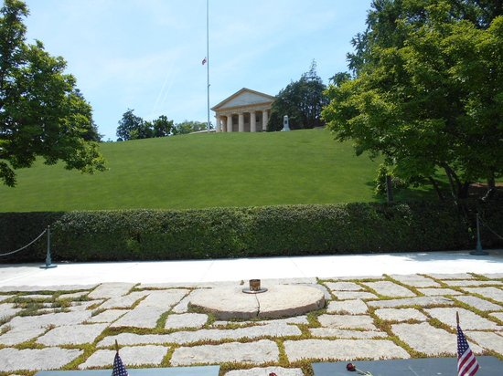 View From Front Porch - U30a2u30fcu30eau30f3u30c8u30f3u3001Arlington House - The Robert E. Lee Memorialu306eu5199u771f - U30c8u30eau30c3u30d7u30a2u30c9u30d0u30a4u30b6u30fc