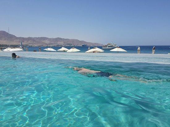 Kempinski Hotel Aqaba Red Sea: הבריכה