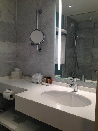 Sheraton Stockholm Hotel : vanity area
