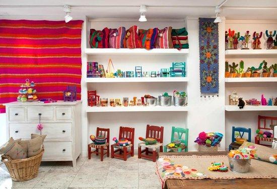 San Isidro, Αργεντινή: Sillas materas, alfombras tejidas en telar, carteras hechas a mano de Tienda de Costumbres