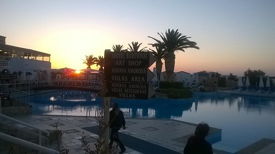 Aldemar Knossos Royal: Stunning sunsets from the bar area