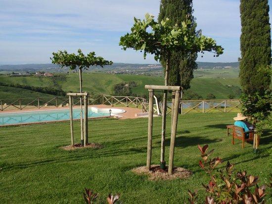 Agriturismo Casanova: Pool & Garden
