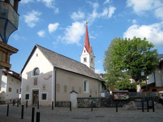 Chiesa di Maria Ausiliatrice: Santa Maria Ausiliatrice