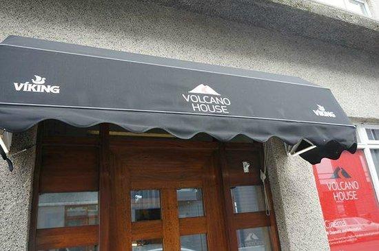 Volcano House: Entrance.