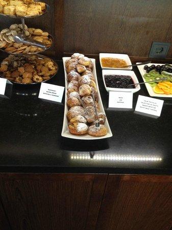 Oru Hotel: Breakfast