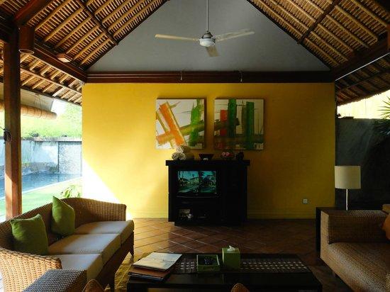 Serene Villas: Serene Villa Palm #2 living area