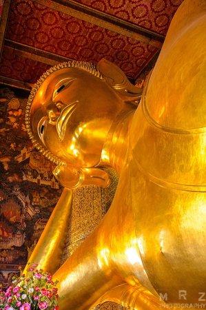 Temple of the Reclining Buddha (Wat Pho): Reclining Buddha