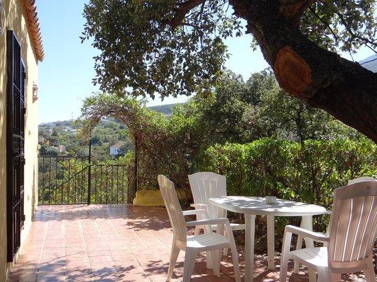 """El Roble Holidays with Hot Tubs: terrasse """"El Corcho"""""""