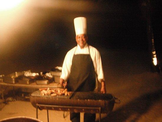 Rendezvous Resort: Chef on beach