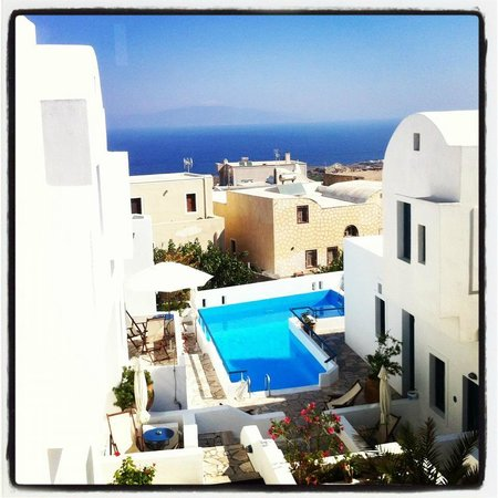 Oia's Sunset Apartments: View from our room