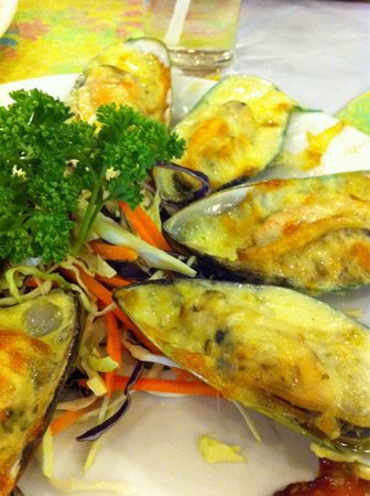 Sweet and Sour: Baked New Zealand Mussel with Cheese