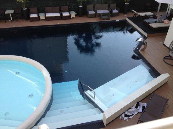 Veduta piscina dalla camera picture of hotel rossini lignano sabbiadoro tripadvisor - Hotel piscina in camera ...